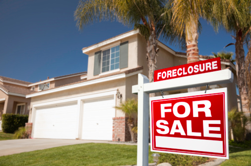 Real estate foreclosure rates in US declining
